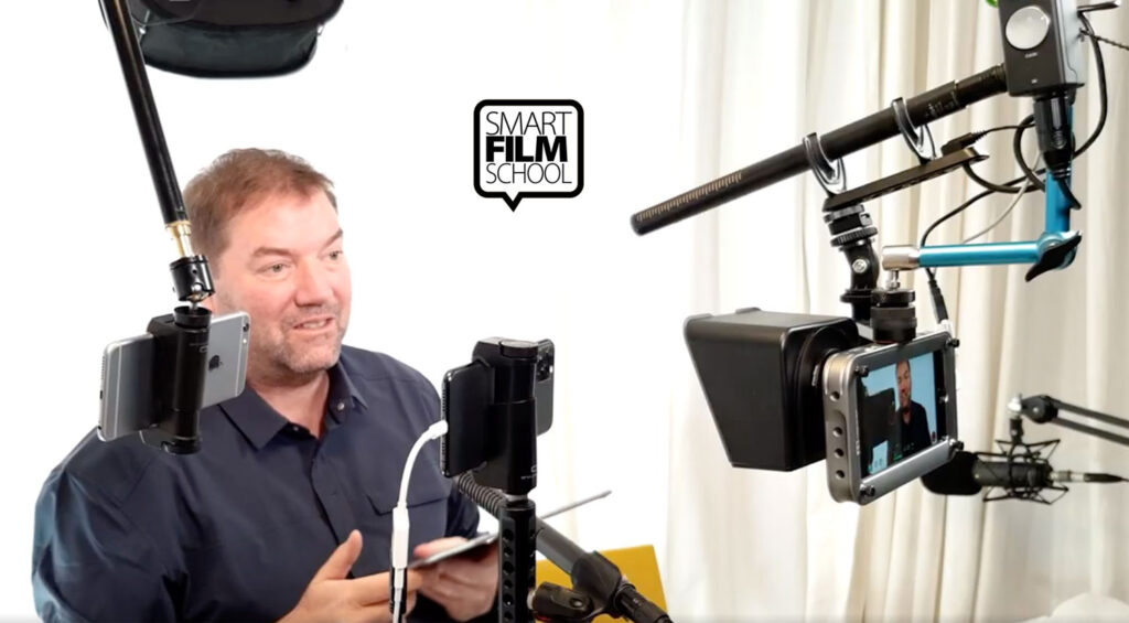 Video Teleprompter rig made with smartphones